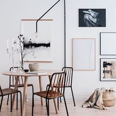 Magisk tavelvägg med motivet 'Structure White' hemma @hosmajorskan Tips! Följ dem om du vill ta del av ett kreativt hem. Konstnär: @marialeinonenart - #wallofarthome #wallofart #tavelvägg #konst #art #print #artprints #posters #inredning #interior #interiorinspo #inspiration #inspo #homeinspo #homestyling #inredningsdetaljer #decor #decoration #becreative #creativeart #createachange #Regram via @wallofart.se