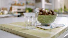 Boules de collation sans cuisson | Cuisine futée, parents pressés Quebec, Healthy Desserts, Healthy Recipes, Cold Meals, Cooking With Kids, Cravings, Biscuits, Snack Recipes, Vegetarian
