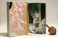 Art box:Petit diorama assemblage, réalisé dans une boite d'allumette.Petite fille au chat. de la boutique AtanMouala sur Etsy