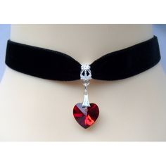 Want pearl choker and purple heart