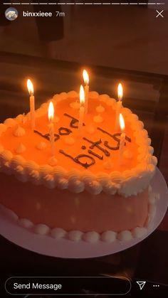 Pretty Birthday Cakes, Pretty Cakes, Cute Cakes, Tumblr Birthday Cake, Cute Food, Good Food, Yummy Food, I Phone 7 Wallpaper, Un Cake