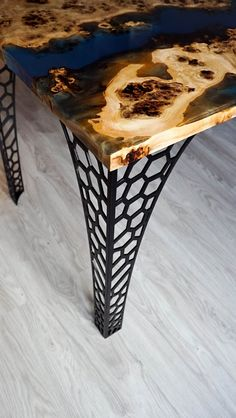 Your daily dose of Inspiration: SOLD Blue transparent epoxy river Mappa Burl table SOLD Etsy Furniture, Resin Furniture, Selling Furniture, Steel Furniture, Table Transparente, Epoxy Wood Table, Plasma Table, Deco Originale, Diy Resin Crafts