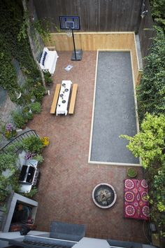 West Village backyard, second-floor view; Gardenista   www.lab333.com  https://www.facebook.com/pages/LAB-STYLE/585086788169863  http://www.labs333style.com  www.lablikes.tumblr.com  www.pinterest.com/labstyle