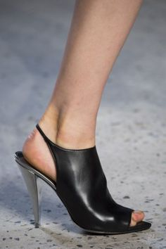 NARCISO RODRIGUEZ: These minimalist slingbacks on the runway at Narciso Rodriguez pair perfectly with this season's 90s inspired silhouettes.  Read more: http://stylecaster.com/the-50-best-shoes-new-york-fashion-week-spring-2015/#ixzz3NkXWsJak