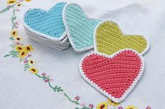 Crochet hearts and flowers bunting - There are large hearts, small hearts and flower patterns in my applique album. This bunting is so cute. Would also be cute for a baby shower.
