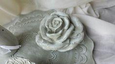 Rose aus Beton