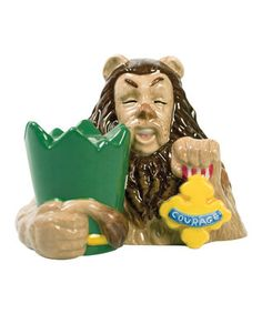 The Cowardly Lion with His Broken Plant Pot Crown & Medal of Courage S & P) Set.