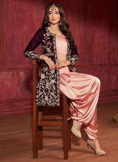 Indian Fashion Dresses, Dress Indian Style, Indian Designer Outfits, Girls Fashion Clothes, Indian Outfits, Indian Wear, Pakistani Dresses Party, Punjabi Dress, Pakistani Dress Design
