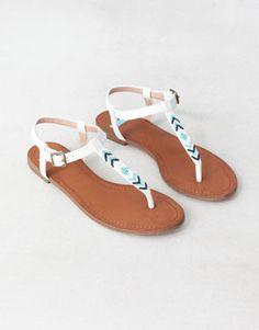 Pull Romania - FOOTWEAR - · Flat sandals