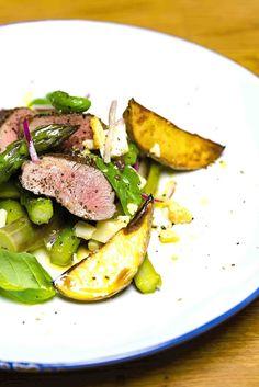 stuttgartcooking: Lauwarmer Spargel-Salat mit Lamm-Rücken und Kartof...