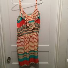 Gianni bini sundress Pockets! Large but fits like a medium Gianni Bini Dresses Midi