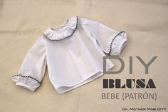 DIY Sewing Baby Blouse (free pattern or molds) Sewing Patterns For Kids, Sewing For Kids, Baby Sewing, Clothing Patterns, Baby Outfits, Kids Outfits, Couture Bb, Sewing Blouses, Little Girl Dresses
