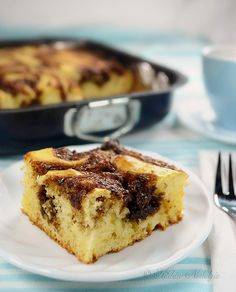 Cinnamon Roll Breakfast Cake - ready in 30 minutes - a dessert for breakfast! - kitchennostalgia.com