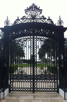 Entry gate,Whitehall, Flagler Museum, Palm Beach, Florida - Whitehall was to be a winter residence, and Henry gave it to Mary Lily as a wedding present. They would travel to Palm Beach each year in one of their own private railcars, one of which was No. 91.
