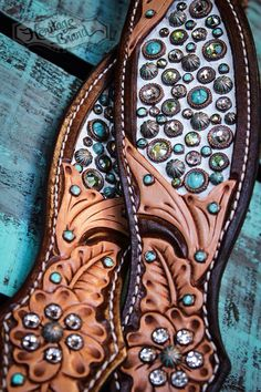 Horse White Blue Green Aqua Teal Turquoise Dark Light Oil Western Bridle Headstall Breastcollar Western Bridles, Western Horse Tack, My Horse, Horse Love, Green Aqua, Teal, Turquoise, Bling Horse Tack, Western Show Clothes
