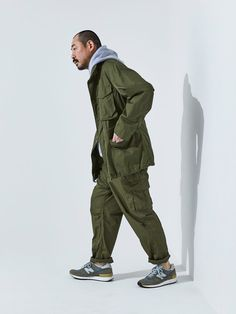 Cargo Pants Outfit, Cargo Pants Men, Jogger Pants, Military Fashion, Mens Fashion, New Balance Outfit, Future Clothes, Clothing And Textile, Japan Fashion