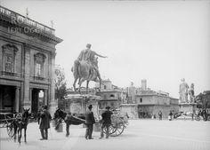 Piazza del Campidoglio ca) Rome, Louvre, Street View, Statue, Paris, Black And White, History, Antiques, World