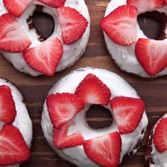 Healthy Recipes Strawberry Cheesecake Old-Fashioned Donuts - Because two desserts are better than one. Donut Recipes, Baking Recipes, Dessert Recipes, Easter Recipes, Cake Recipes, Tasty Videos, Food Videos, Baking Videos, Healthy Recipe Videos