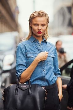 Magdalena Frackowiak during Paris Fashion Week, Spring 2013 Magdalena Frackowiak, Street Style Stockholm, Lady Gaga, Vogue, Models Off Duty, Jean Shirts, Denim Shirts, Denim Jeans, Look At You