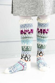 kuva Wool Socks, Knitting Socks, Rainbow Dog, Men In Heels, Christmas Stocking Pattern, Yarn Needle, Leg Warmers, Mittens, Knitting Patterns