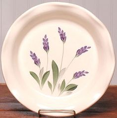 pottery painting ideas The fresh, botanical design of our lavender pie plate will make baking, cooking, and serving a garden of delight! Clay Plates, Ceramic Plates, Porcelain Ceramics, Pottery Painting Designs, Pottery Designs, China Painting, Ceramic Painting, Pottery Plates, Pottery Art