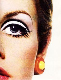 Twiggy, 1967. Photograph by Richard Avedon.