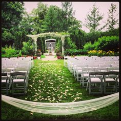 Indianapolis Museum Of Art Tulle Baby S Breath Garland Petals Outdoor Wedding Garden