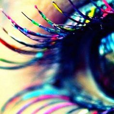 colorful mascara, this would look amazing on my eyelashes! Eye Makeup Steps, Natural Eye Makeup, Blue Eye Makeup, Makeup For Brown Eyes, Hair Makeup, Eyelashes Makeup, Unique Makeup, Colorful Makeup, Creative Makeup