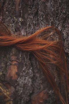 Ömrün, saçların kadar uzun ve güzel olsun, dedi adam giderken. Ve kadın saçlarını bir daha hiç uzatmadı.! Cemal Süreya