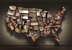een boekenkast van het land waar je in woont