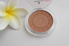 essence luminous matt bronzing powder in 02 sunglow (for dark skin) Dark Skin, Powder, Eyes, Face, Products, Face Powder, Faces, Gadget, Facial