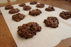 Oatmeal Peanut Butter and Chocolate Lactation Cookies Healthy, No Bake, Dairy Free Lactation Cookies ready to eat! Healthy Lactation Cookies, Lactation Recipes, Lactation Smoothie, Cookies Vegan, Milk Cookies, Food For Breastfeeding Moms, Peanut Butter No Bake, Baby Cereal, Dairy Free Breakfasts