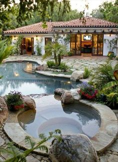 I love everything about this; not just the pool! Spanish Landscaping, Spanish Backyard, Tropical Pool Landscaping, Spanish Pool, Landscaping Ideas, Gravel Landscaping, Spanish Villas, Spanish Style Houses, Spanish Style Decor