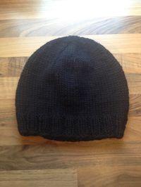 Súnadóttir: Enkel og hurtig hue (opskrift) Knit Crochet, Crochet Hats, Baby Knitting Patterns, Headbands, Knitted Hats, Diy And Crafts, Beanie, Wool, How To Make