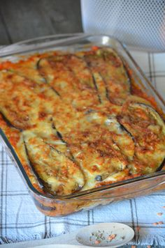 Batch Cooking, Cooking Time, Cooking Recipes, Moussaka Recipe Vegetarian, Veggie Recipes, Vegetarian Recipes, Tasty Dishes, Meals For One, Healthy Dinner Recipes