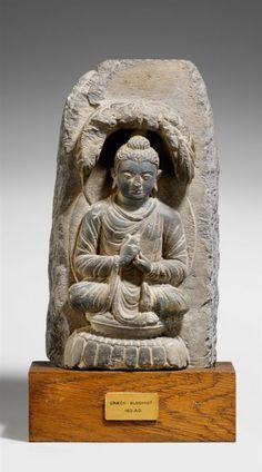Lot : Kleine Stele eines Buddha. Stein. Pakistan, Gandhara. 2./3. Jh. - Im[...] | Dans la vente Art d'Asie à Kunsthaus Lempertz