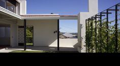 courtyard  Bulimba Hill House  Owen and Vokes
