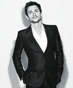 Hugh Dancy.. lol did Hannibal dress him today?