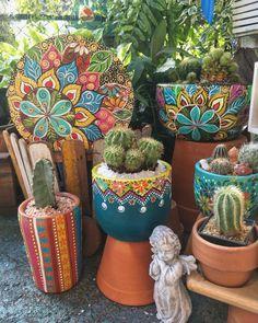 Diy Crafts Love, Rock Crafts, Painted Plant Pots, Painted Flower Pots, Pots D'argile, Painted Tin Cans, Flower Pot Art, Desert Art, Concrete Art