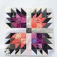 The Bear Paw Quilt Pattern: Let's get Super Scrappy - Suzy Quilts Cute Quilts, Scrappy Quilts, Small Quilts, Mini Quilts, Modern Quilt Patterns, Quilt Patterns Free, Pattern Blocks, Quilting Projects, Quilting Designs