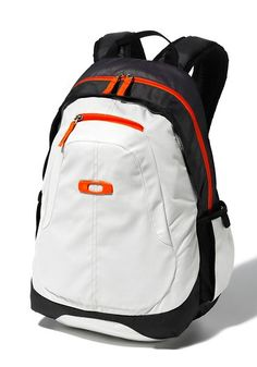 Oakley Backpack                                                                                                                                                                                 Más