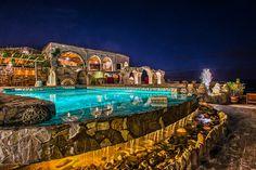 Fun Reasons To Own Luxury Swimming Pools – Pool Landscape Ideas Luxury Swimming Pools, Luxury Pools, Roman Pool, Museum Hotel, Capadocia, Mediterranean Design, Beautiful Pools, Pool Landscaping, Vacation Destinations