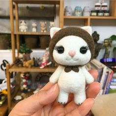 Cute Needle felted wool animals cat (Via @jade_needlework)