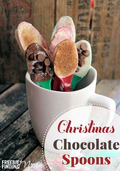 Need an easy homemade holiday gift idea? Here youll learn how to make chocolate spoons that are perfect for dipping into milk, hot chocolate, and coffee. Simply coat spoons with melted chocolate then add your favorite toppings like crushed peppermint, mi Christmas Chocolate, Christmas Candy, Christmas Desserts, Christmas Baking, Christmas Cookies, Christmas Presents, Christmas Recipes, Christmas Foods, Food Gifts For Christmas