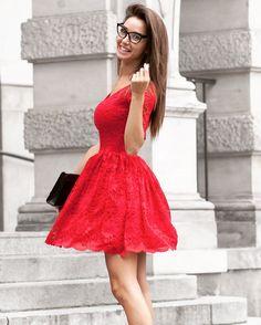 50fdf03d10 Sukienkowo.pl - EMMA - Rozkloszowana koronkowa sukienka czerwona