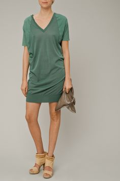 loose dress that basically looks like a big t-shirt and heels? yeah i'd rock that