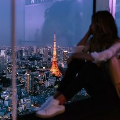 Jessica Stein*tuula vintage / Tokyo by night websta. Wanderlust, Nail Art, Portraits, Landscape Illustration, Illustration Art, Poses, Art Music, Places To Go, Beautiful Places