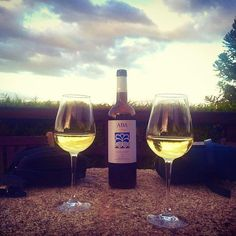 Grazas @gastroypolitica por esta fermoso solpor con  Aba de Trasumia   #sunset with @adegamoraima #albariño @doriasbaixas at @casade_porto_ #Barro #YoSoyAlbariñoRiasBaixas #Galicia #wine #food  #winelover #winelovers #vino #love #cool #summer #summertime #amazing #bestoftheday #delicious #España #sunsets #Spain #Spagna #skyporn  #winetasting #winery #winetime #winecountry #vinos #ig_captures #clouds @rutavinoriasbaixas