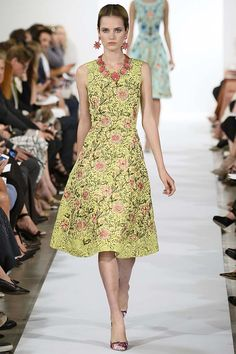 Oscar de la Renta Spring 2014 New York Fashion Week