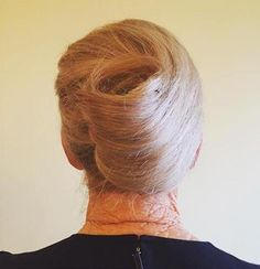 Here are best ideas for Older Women,Long Hairstyles , hairstyles for grey hair ideas in older women hairstyles in case you prefer to cover the grays. Haircut For Older Women, Older Women Hairstyles, Popular Hairstyles, Latest Hairstyles, Pretty Hairstyles, Natural Hair Styles For Black Women, Short Hair Styles, Mother Of The Bride Hairdos, Blonde Updo
